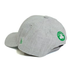 Boné New Era 940 Sn Essentials Square Boston Celtics NBA Aba Curva Cinza Snapback