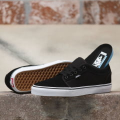 Tênis Vans Chukka Low Black White